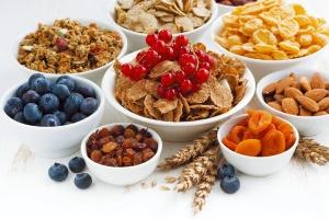 Błonnik - właściwości i znaczenie w codziennej diecie. Pokarmy bogate w błonnik